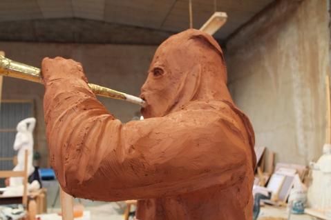 Modelado Penitente trompa III. Barro 180 cm 2012